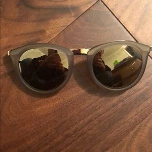 NWOT Le Specs sunglasses